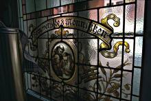 Glasraam bewaard in het Volksmuseum