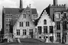 Zicht vanop de Snaggaardsbrug / rechts de mouterijtoren 1982