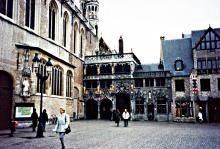 Burg met Heilig Bloedkapel