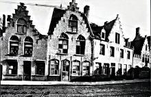 Langestraat 1918 /uiterst rechts poort met kantelen brouwerij De Zon