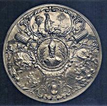 zilveren schaal met embleem van de brouwers